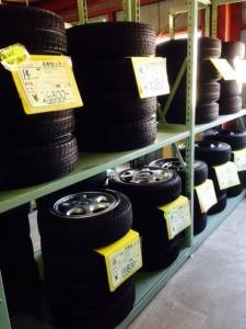 タイヤ佃店