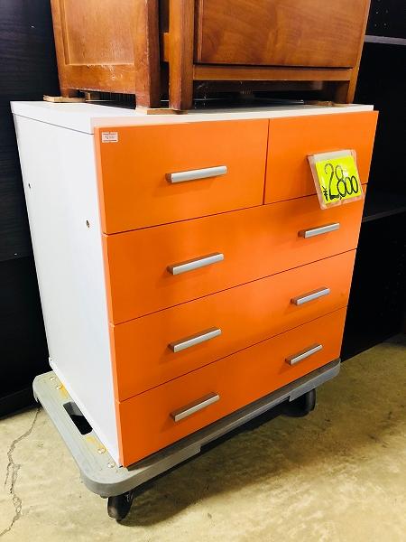 オレンジ色の4段チェスト、収納棚入荷