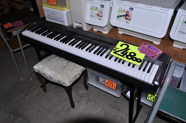 中古の電子ピアノ販売中