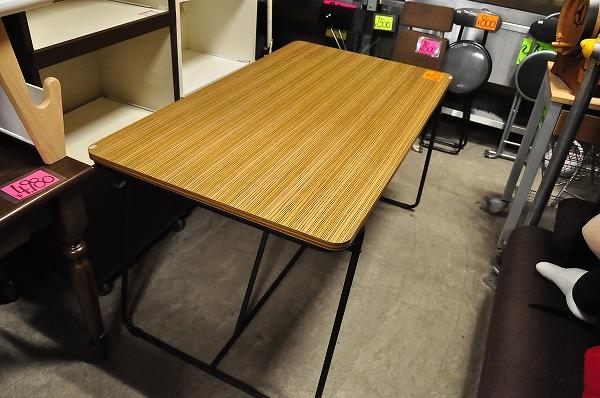 中古家具!木製ウォールナットのダイニングテーブル販売中!