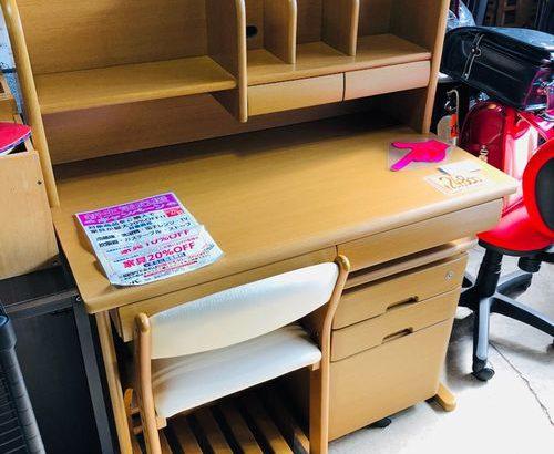 ニトリの学習机