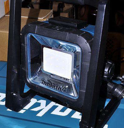 マキタの充電式LEDスタンドライトML805入荷しました。新品です。
